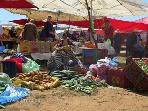 berber-market-morocco-travel-producer-090