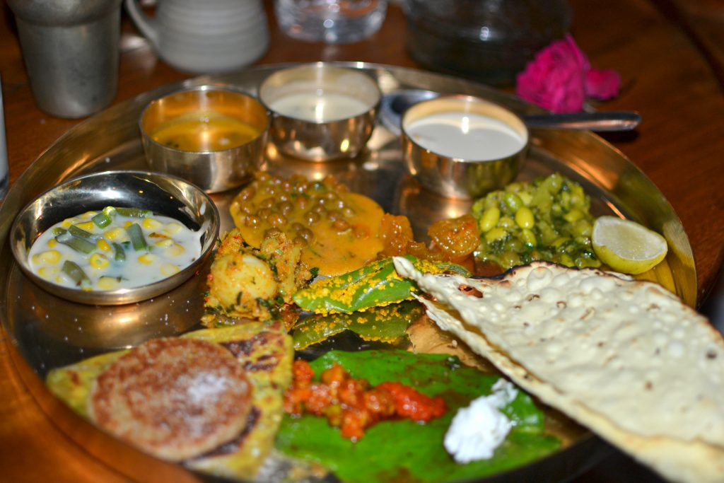 2-gujarati-food