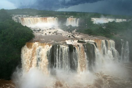 iguazu-waterfall-argentina-travel-producer-002 (1)