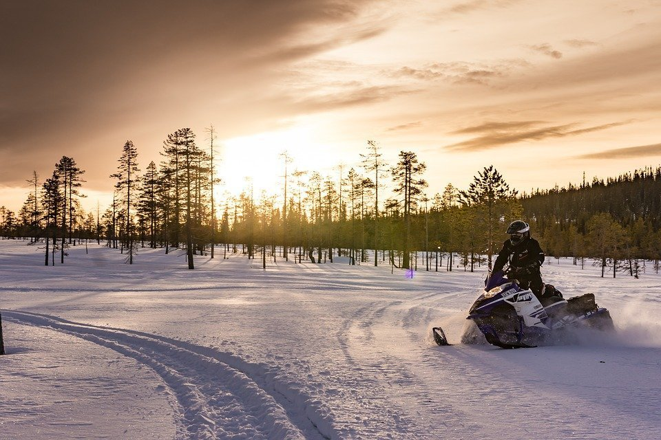 Lapland snow mobile